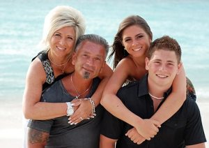 long-island-medium-family-4